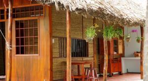 Coco Riverside Lodge