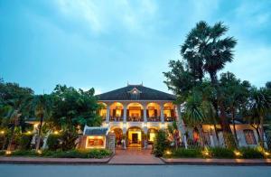 Villa Santi Resort