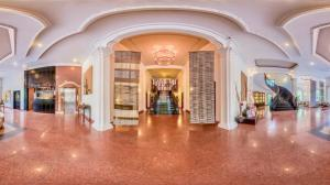 White Mansion Hotel