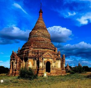 Myanmar Asiens goldene Perle mit Baden in Ngapali