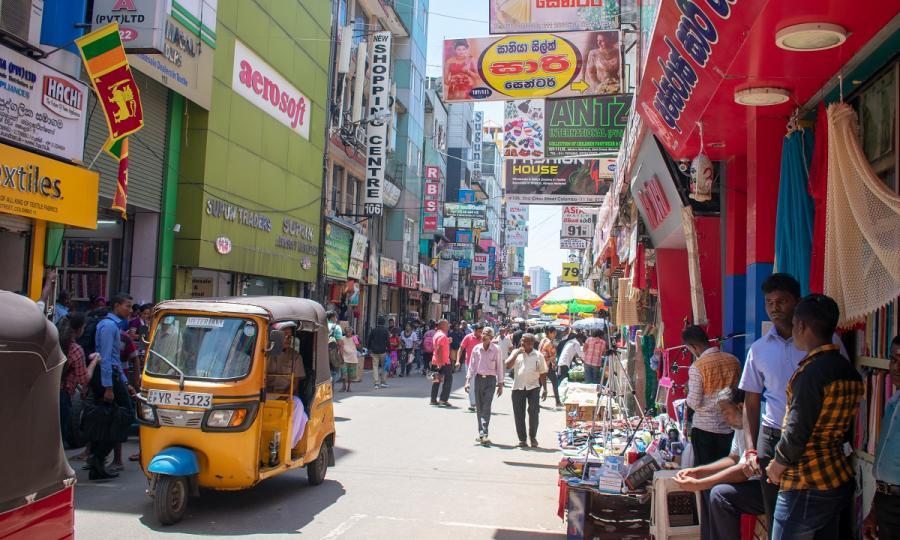 Sommerreise Sri Lanka mit Zugfahrt mit Badeurlaub an der Ostküste oder Malediven_38048